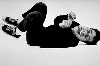 Maurizio Cattelan, Senza titolo, 1995 (Untitled) Black/white photography dimensioni reali Foto di Armin Linke
