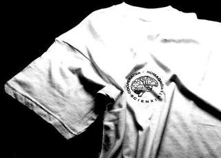 Maurizio Cattelan, Cooperativa romagnola scienziati, 1989 (Silk-screen on T-shirt) dimensioni reali Foto di Fausto Fabbri