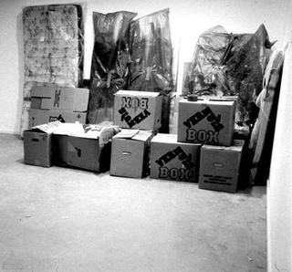 Maurizio Cattelan, Another fucking ready made, 1996 Mixed media dimensioni variabili - Crap Schoot , De Appel Foundation, Amsterdam Foto di Der Haan