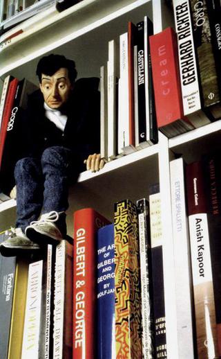 Maurizio Cattelan, Mini-me, 1999 Resin, fabric, mixed media 30,5 cm di altezza Foto di Attilio Maranzano Courtesy:Marian Goodman Gallery, New York