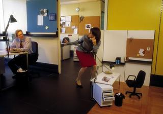 Maurizio Cattelan, Senza titolo, 2001 (Untitled) Mixed media miniatura di ufficio