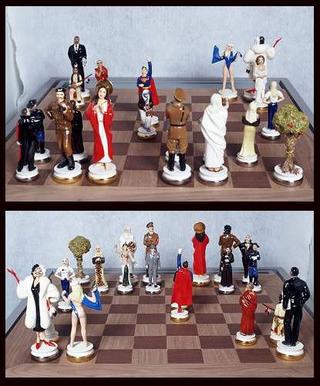 Maurizio Cattelan, Good versus Evil, 2003 Leather board, porcelain set Scacchiera 52 x 52 x 3,2 cm; figure da 16 cm (Re) a 11 cm Courtesy:Marian Goodman Gallery, New York