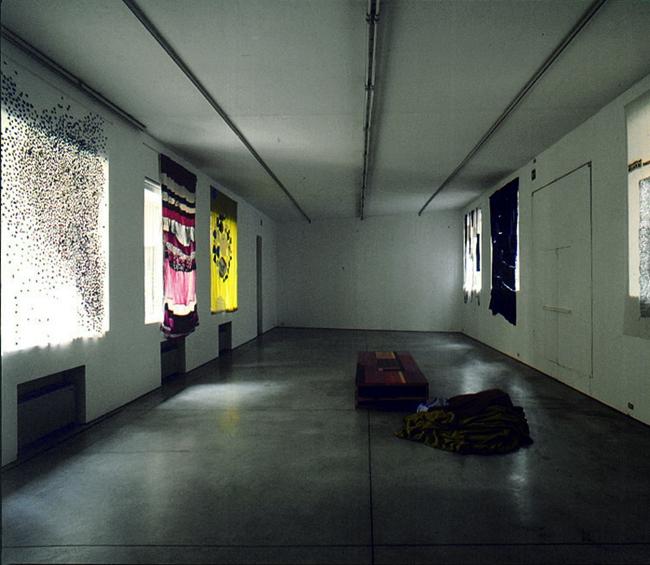 Tobias Rehberger, Luci diffuse, Veduta del'installazione. Foto di Antonio Maniscalco
