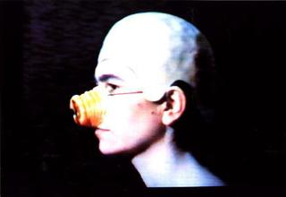 Liliana Moro, Aristocratica, 1994 (Aristocrat) 00:06:00 Foto:Serge Domingie