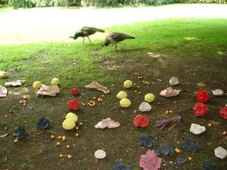 Liliana Moro, Chi tocca muore, 2006 Terracotta sculptures dimensioni variabili Courtesy:Galleria Emi Fontana, Milano