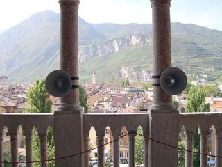 Liliana Moro, Ta Pum, 2009 (2 loundspeakers) Castello del Buonconsiglio, Trento Courtesy:Galleria Emy Fontana, Milano