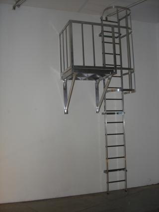 Thin Line, Elenia Depedro, Autoritratto a 2 metri e settanta.