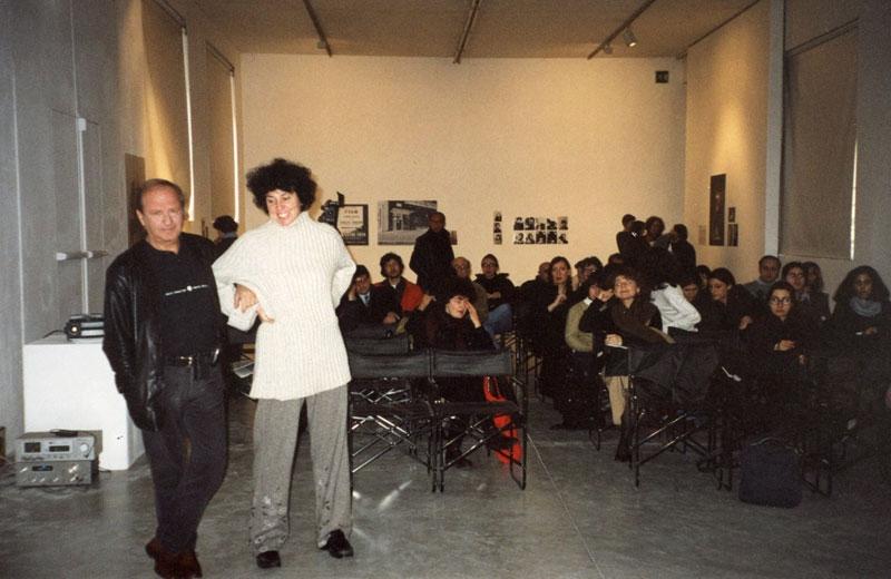 Franco Vaccari, Fuori Schema, 1966 - 2001 film, videoinstallazioni, esposizioni in tempo reale, web,  Franco Vaccari e Patrizia Brusarosco durante Il workshop a Viafarini