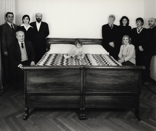 People | Family, Bianca Infurna nell'opera di Linda Fregni Nager, La Falsa Famiglia, 2002