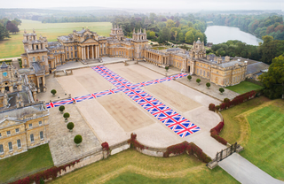 Maurizio Cattelan, Victory is not an option, 2019 Blenheim Palace, Oxfordshire UK